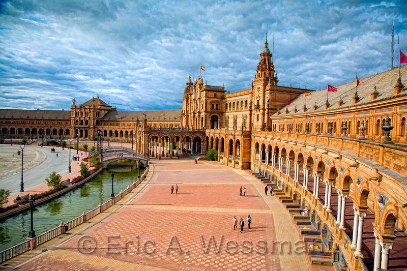 Grand View, Plaza de España