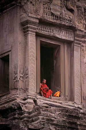 Young Monk, Old Temple