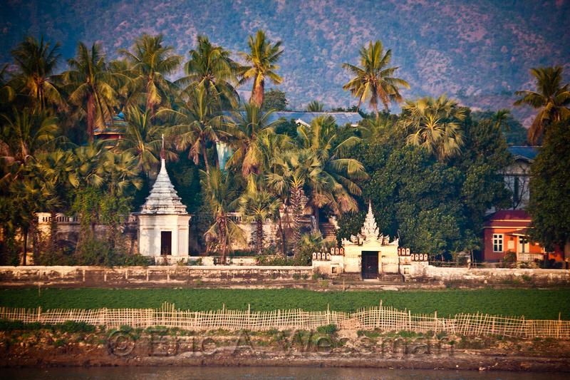 Mingun, Ayeyarwady River, Myanmar.