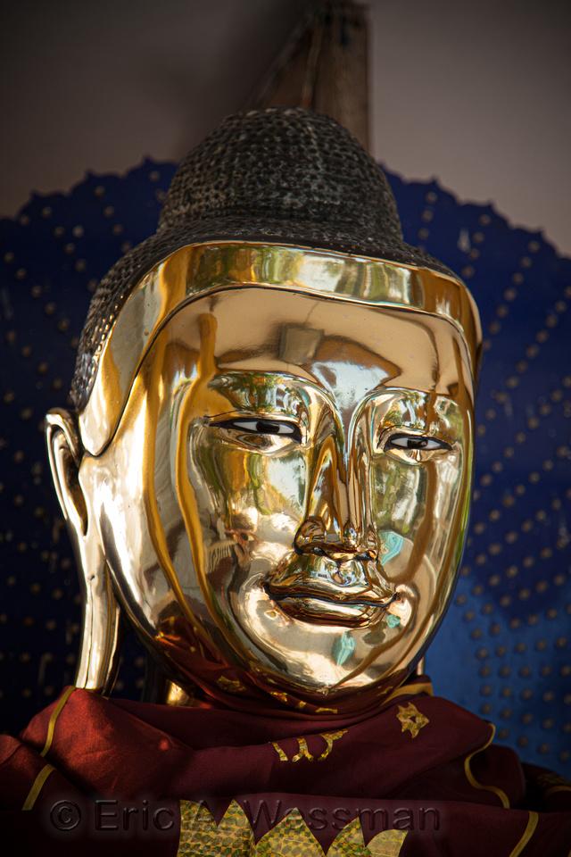 Shiny Buddha Image Head